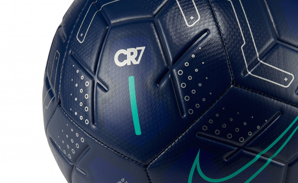 NIKE STRIKE CR7 IMAGE 2