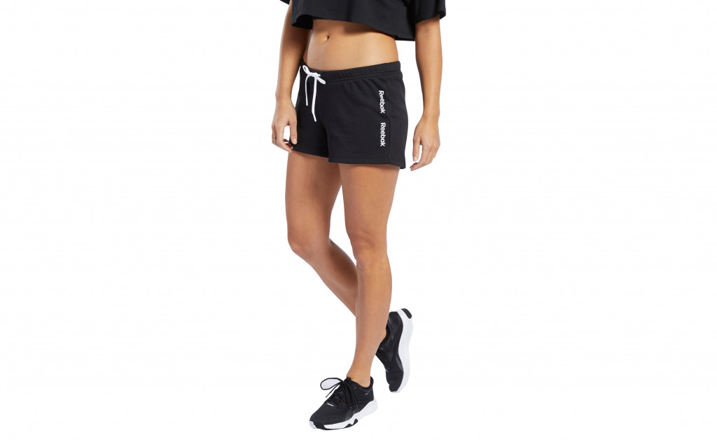 REEBOK TRAINING ESSENTIAL LINEAR LOGO SHORT MUJER IMAGE 5