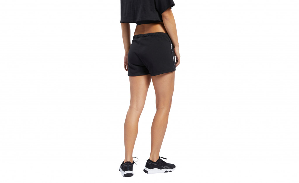 REEBOK TRAINING ESSENTIAL LINEAR LOGO SHORT MUJER IMAGE 7