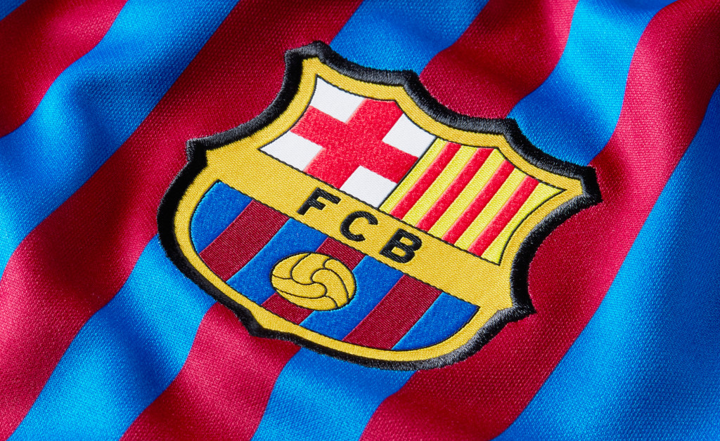 NIKE FC BARCELONA STADIUM HOME 21/22 IMAGE 3
