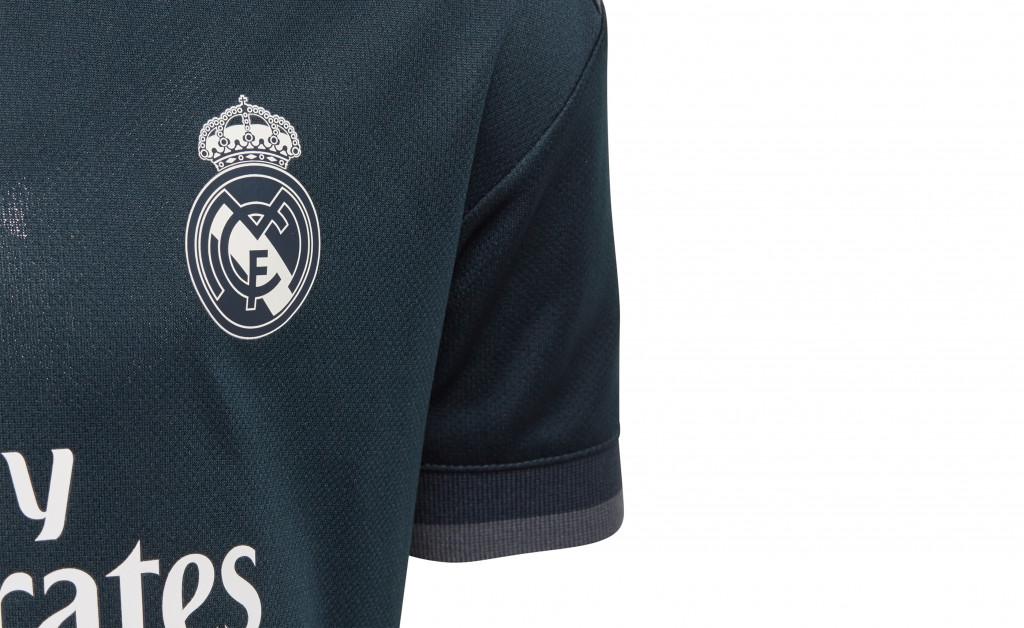 adidas MINIKIT SEGUNDA EQUIPACIÓN REAL MADRID 18/19 IMAGE 3
