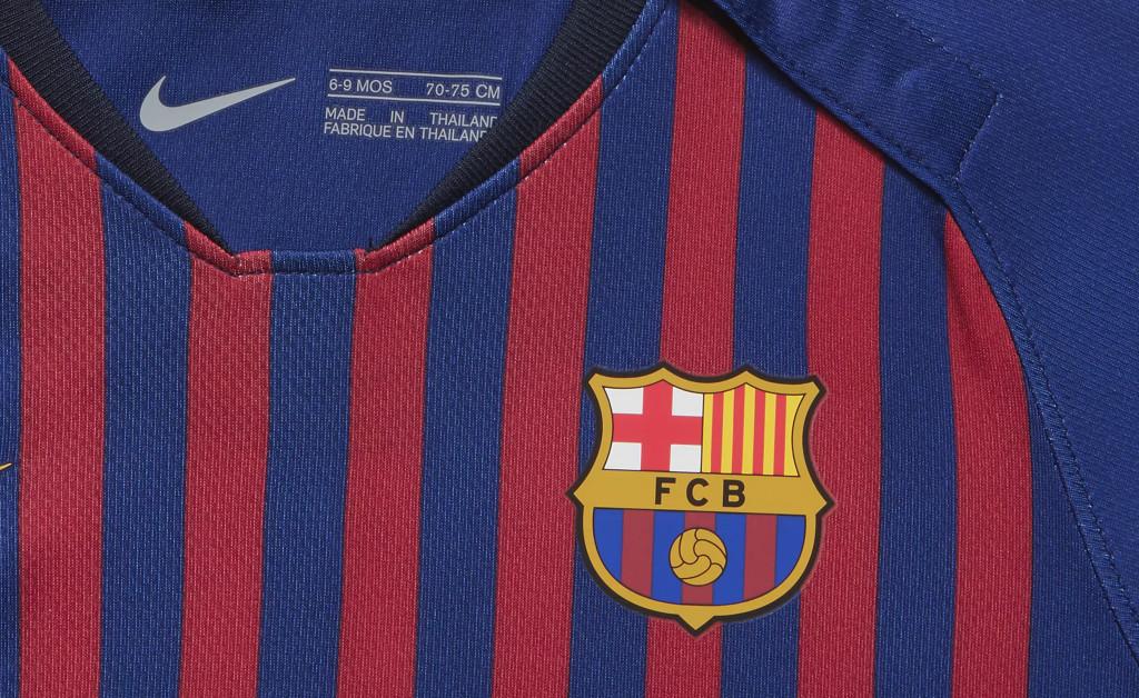 NIKE FC BARCELONA KIT HOME BEBÉ 18/19 IMAGE 2