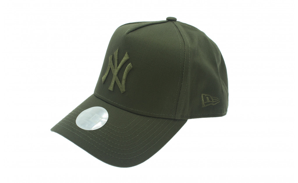 NEW ERA WOMENS LEAGUE ESSENTIAL NY IMAGE 1