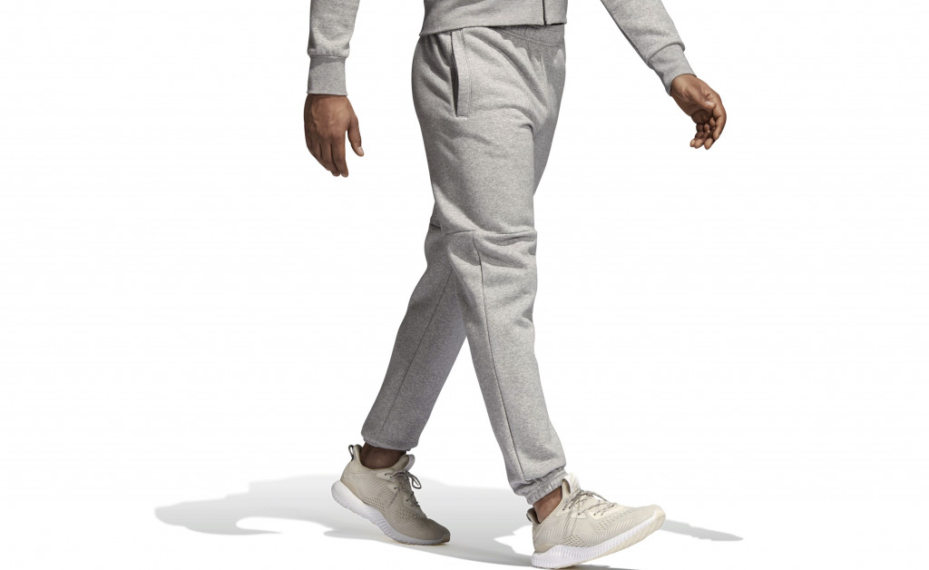 adidas ESSENTIALS BOX LOGO TAPERED IMAGE 2