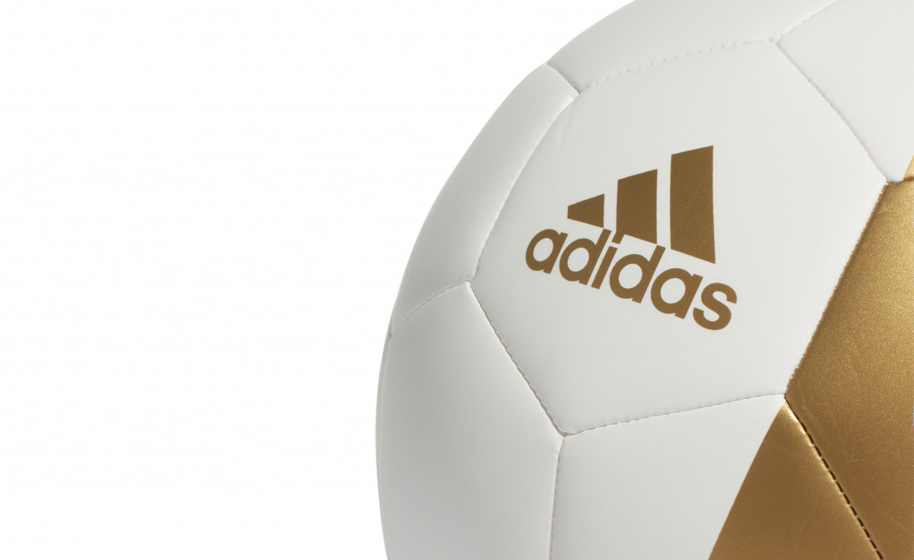 adidas REAL MADRID CAPITANO IMAGE 2