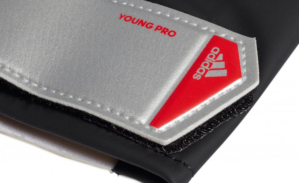 adidas PREDATOR YOUNG PRO IMAGE 4